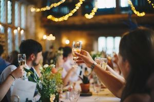 5 Tricks, damit die Gäste auf deiner Hochzeit Spaß haben - Sitzordnung