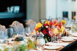 Günstige Hochzeit und trotzdem ein voller Erfolg - Gedeckter Tisch